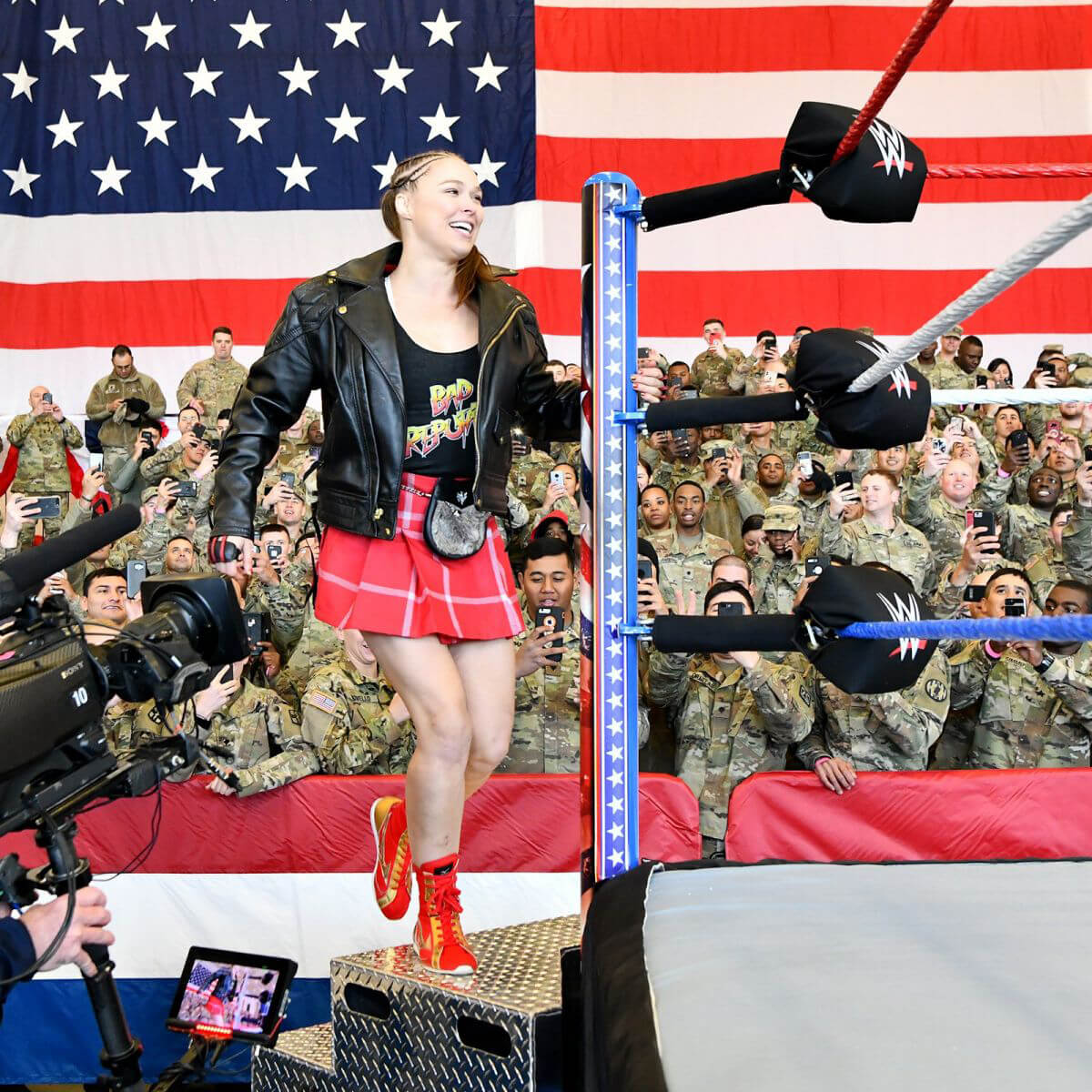 Ronda Rousey & Natalya vs. Nia Jax & Tamina vs. Liv Morgan & Sarah Logan - WWE Tribute to the Troops 2018/12/20 1