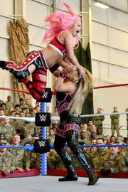 Ronda Rousey & Natalya vs. Nia Jax & Tamina vs. Liv Morgan & Sarah Logan - WWE Tribute to the Troops 2018/12/20 10