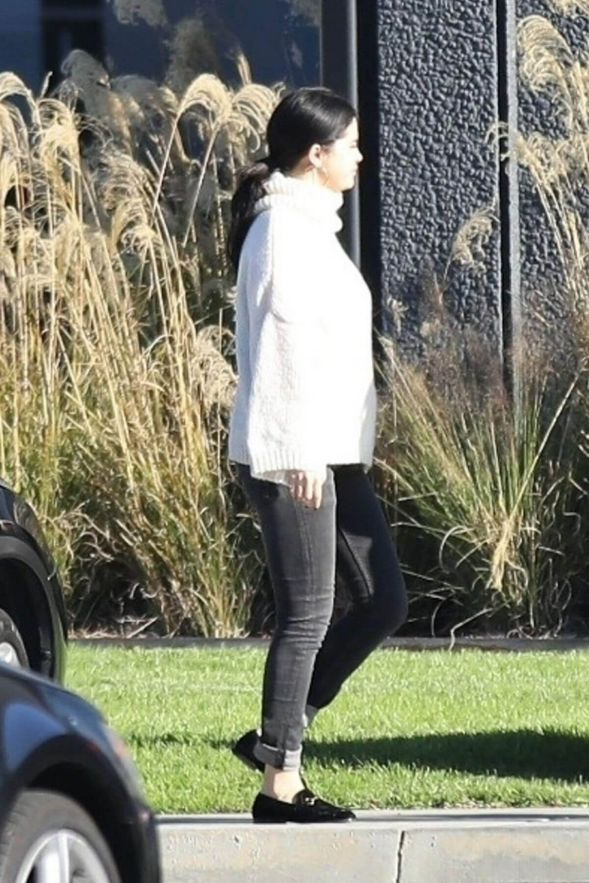 Selena Gomez at Sunday Church Services in Los Angeles 2018/12/30 1