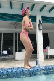 Tallulah Willis in Bikini at a Pool on Instagram Pictures, December 2018 2
