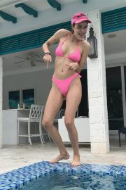 Tallulah Willis in Bikini at a Pool on Instagram Pictures, December 2018 5