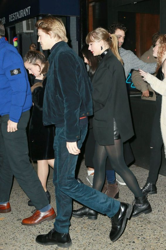 Taylor Swift and Joe Alwyn Night Out in New York 2018/12/30 1