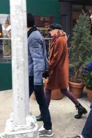 Taylor Swift and Joe Alwyn Out in New York 2018/12/29 6
