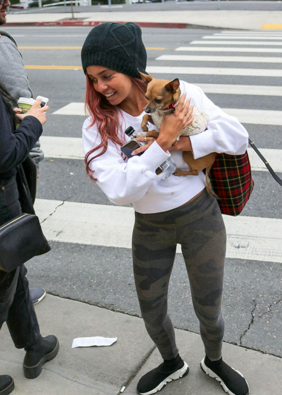 VANESSA MORGAN Out with Her Dog in Los Angeles 2019/01/05 1