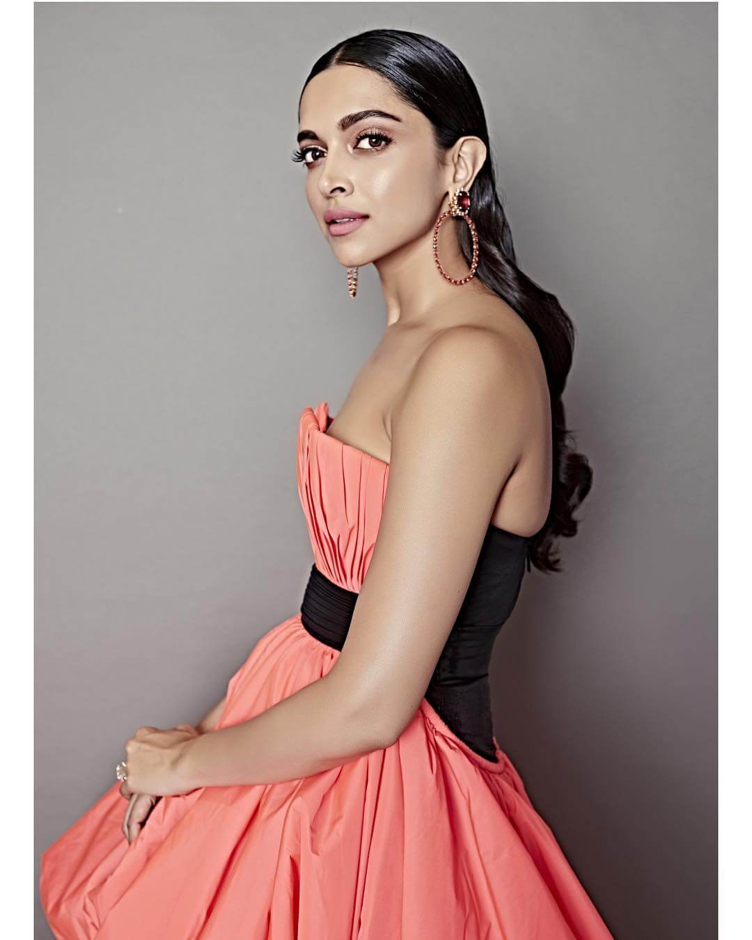 Deepika Padukone in Stylish Dress at 2019 Filmfare Glamour and Style Awards - February 12, 2019 1