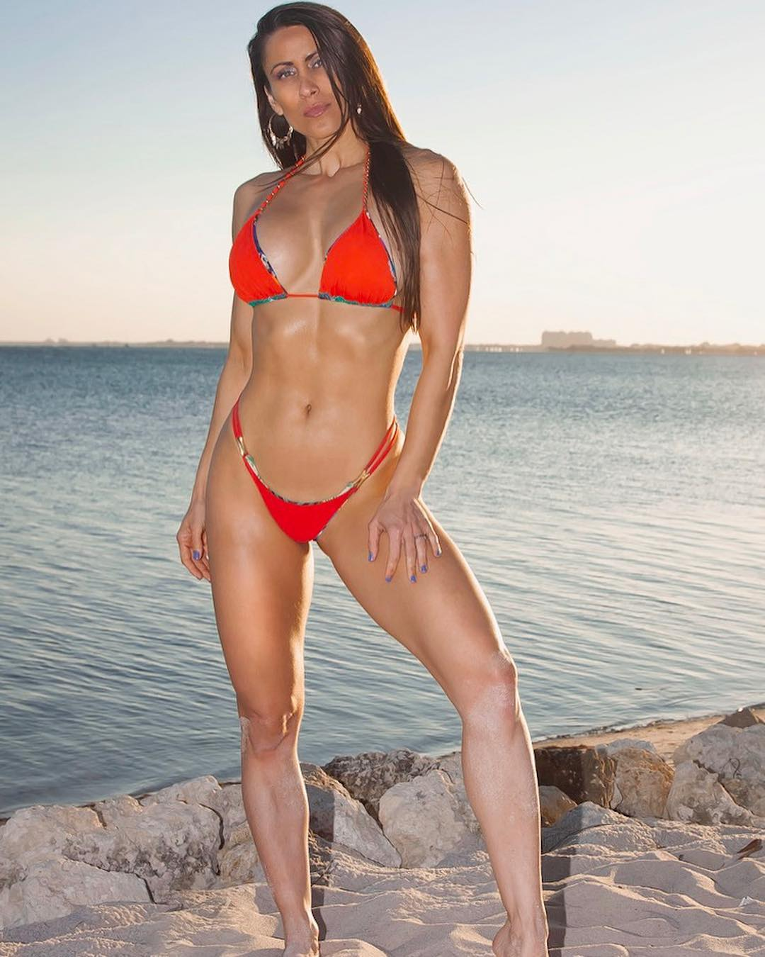 Anais Zanotti In Bikini Doing Stretches In Her Off Day From Gym 1