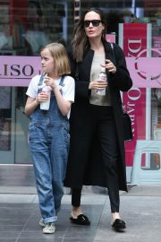 Angelina Jolie out the day with daughter in Los Angeles 2019/04/28 4