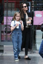 Angelina Jolie out the day with daughter in Los Angeles 2019/04/28 10