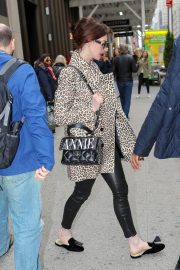 Anne Hathaway Out in New York 2019/04/28 7