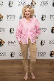 Anthea Turner at A Dog's Journey Premiere in London 2019/04/27 3