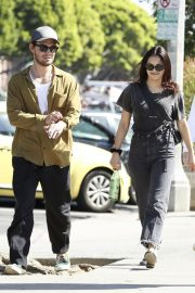 Camila Mendes Out for Lunch in Los Angeles 2019/04/25 5