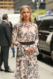 Christina Applegate at The Late Show with Stephen Colbert in New York 2019/04/29 3