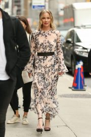 Christina Applegate at The Late Show with Stephen Colbert in New York 2019/04/29 5