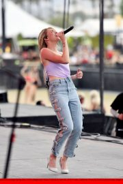 Danielle Bradbery Performs onstage Day 3 of the Stagecoach Music Festival in Indio 2019/04/28 10