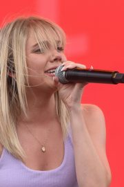 Danielle Bradbery Performs onstage Day 3 of the Stagecoach Music Festival in Indio 2019/04/28 14