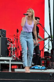 Danielle Bradbery Performs onstage Day 3 of the Stagecoach Music Festival in Indio 2019/04/28 15