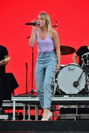 Danielle Bradbery Performs onstage Day 3 of the Stagecoach Music Festival in Indio 2019/04/28 19