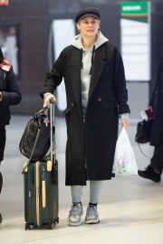 Diane Kruger Arrives at JFK Airport with her mother in New York 2019/04/29 4