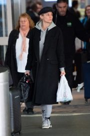 Diane Kruger Arrives at JFK Airport with her mother in New York 2019/04/29 6