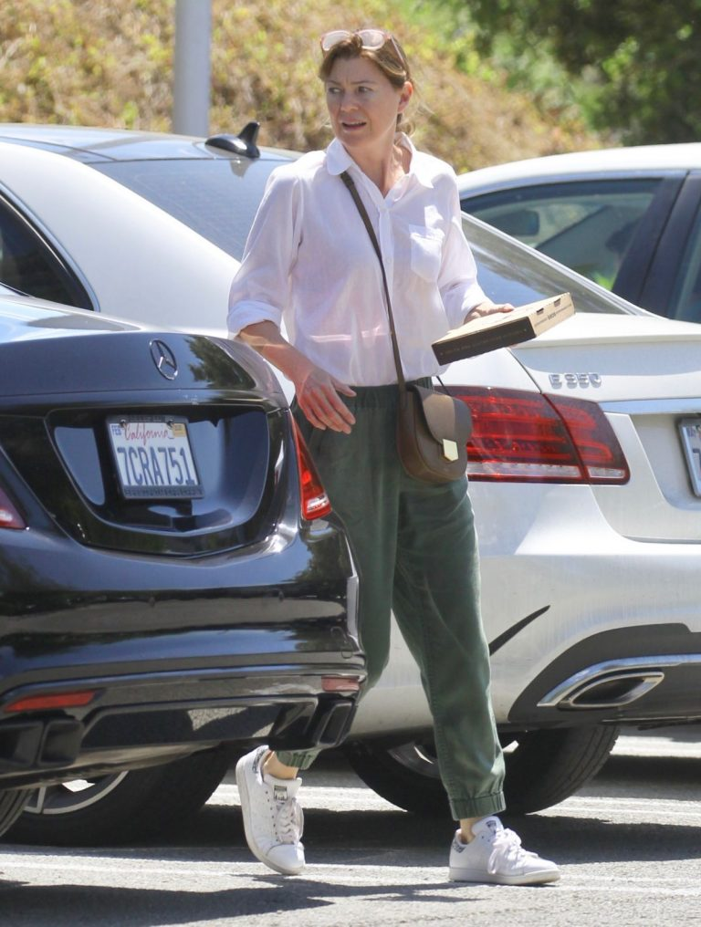 Ellen Pompeo Shopping at Erewhon Organic Grocers in Calabasas 2019/04/19 1
