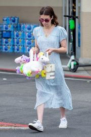 Emma Roberts and Garrett Hedlund Out on Easter in Los Angeles 2019/04/21 3