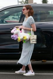 Emma Roberts and Garrett Hedlund Out on Easter in Los Angeles 2019/04/21 7