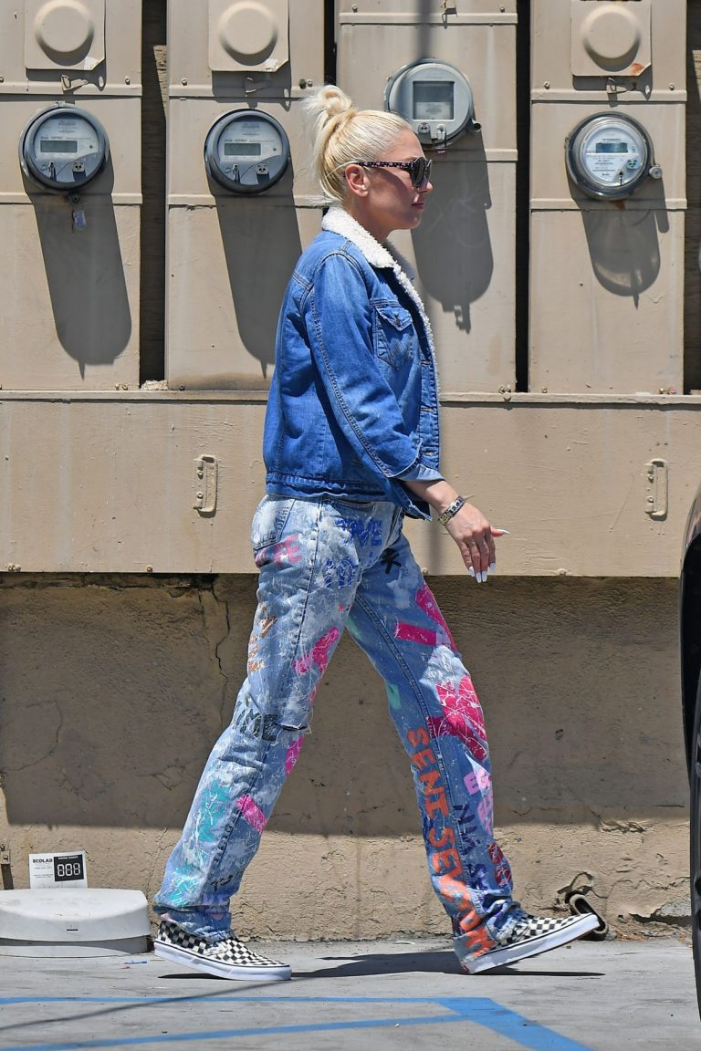 Gwen Stefani at a Nail Salon in Beverly Hills 2019/04/24 1
