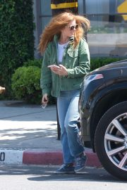 Isla Fisher in Denim Out and About in Los Angeles 2019/04/25 3