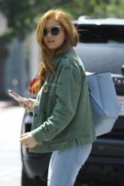 Isla Fisher in Denim Out and About in Los Angeles 2019/04/25 5