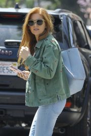 Isla Fisher in Denim Out and About in Los Angeles 2019/04/25 7