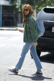 Isla Fisher in Denim Out and About in Los Angeles 2019/04/25 11