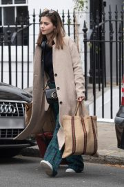 Jenna Coleman Shopping Out in London 2019/04/30 2