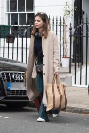 Jenna Coleman Shopping Out in London 2019/04/30 3