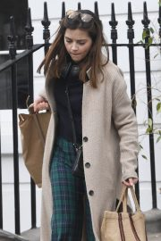 Jenna Coleman Shopping Out in London 2019/04/30 6