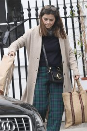 Jenna Coleman Shopping Out in London 2019/04/30 7