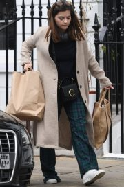 Jenna Coleman Shopping Out in London 2019/04/30 8
