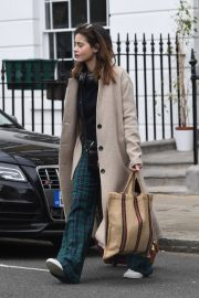 Jenna Coleman Shopping Out in London 2019/04/30 13
