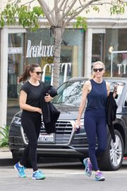 Jennifer Garner at going for coffee after hitting the Gym in Brentwood 2019/04/27 14