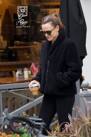 Jennifer Garner at going for coffee after hitting the Gym in Brentwood 2019/04/27 40