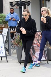Jennifer Garner at going for coffee after hitting the Gym in Brentwood 2019/04/27 47