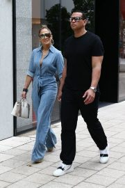 Jennifer Lopez and Alex Rodriguez Out for Lunch in Miami 2019/04/20 5