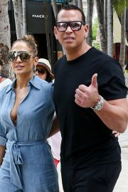 Jennifer Lopez and Alex Rodriguez Out for Lunch in Miami 2019/04/20 7