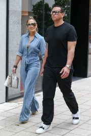 Jennifer Lopez and Alex Rodriguez Out for Lunch in Miami 2019/04/20 9
