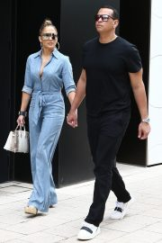 Jennifer Lopez and Alex Rodriguez Out for Lunch in Miami 2019/04/20 11