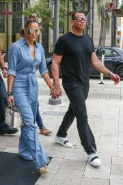 Jennifer Lopez and Alex Rodriguez Out for Lunch in Miami 2019/04/20 12