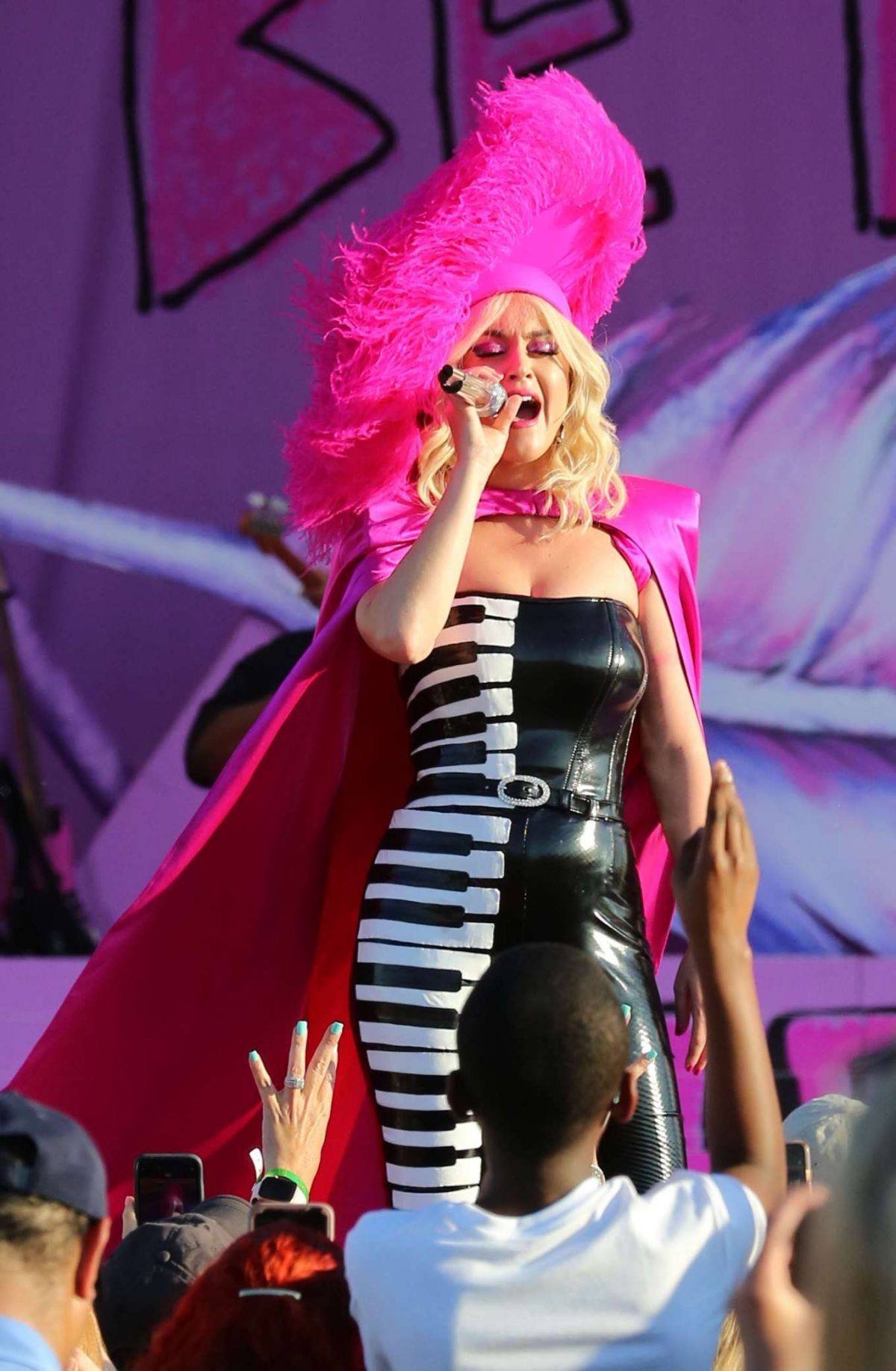 Katy Perry Performs at 2019 New Orleans Jazz & Heritage Festival 50th Anniversary 2019/04/27 1