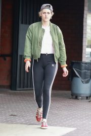 Kristen Stewart Out at A Nail Salon in Hollywood 2019/04/29 7