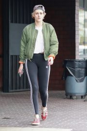 Kristen Stewart Out at A Nail Salon in Hollywood 2019/04/29 10