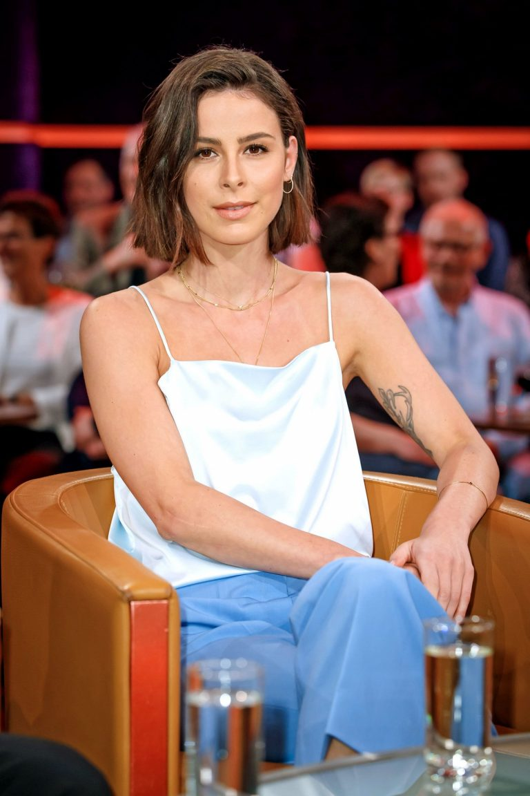"Lena Meyer-Landrut at MDR Talkshow ""Riverboat"" 2019/04/26 2"