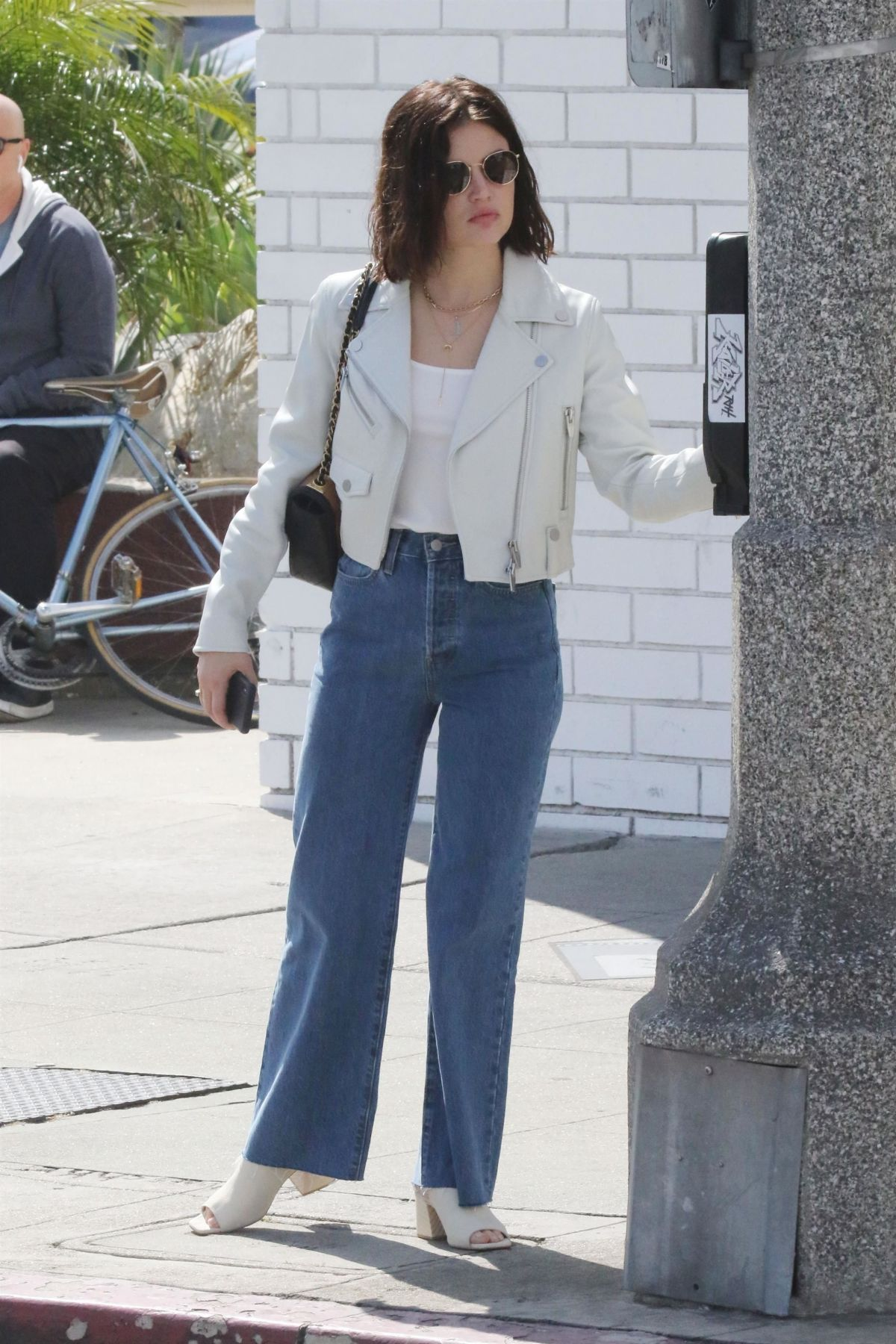 Lucy Hale Out in Studio City 2019/04/21 1